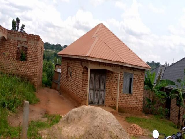 3br House For Sale In Kiwenda - 1/1