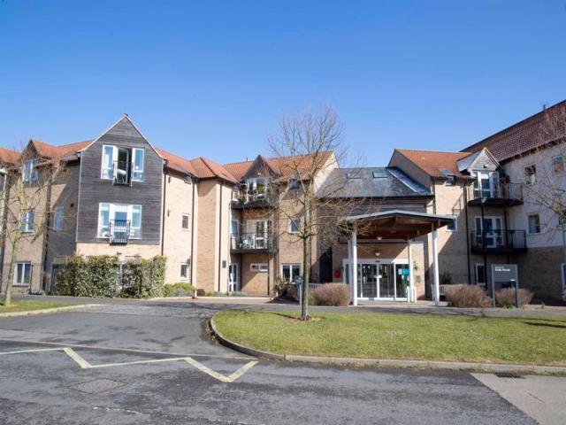 2 Bed Property For Sale In Bury St. Edmunds, Suffolk - 1/9